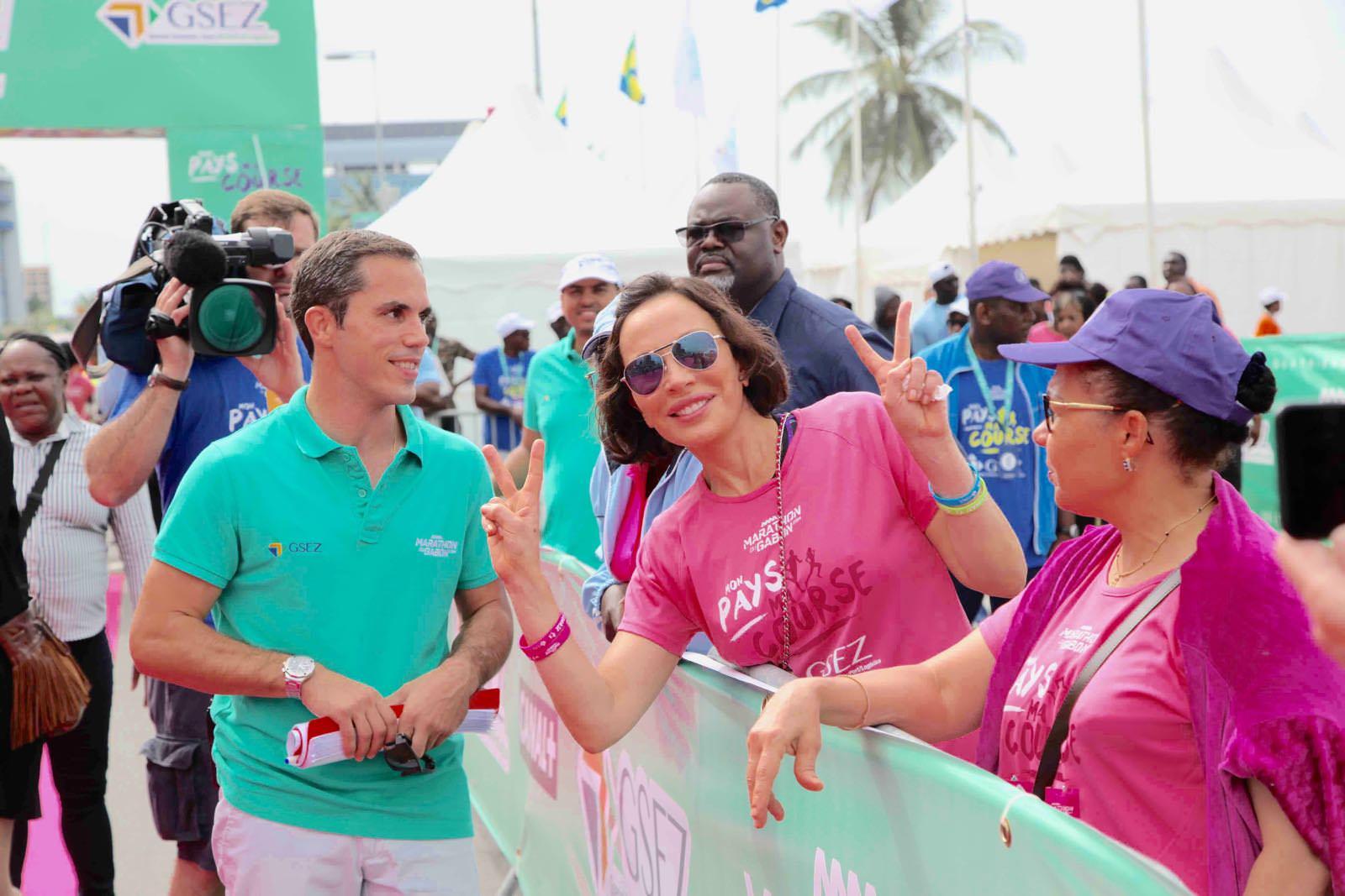 Sylvia Bongo Ondimba au départ de la 4e édition du marathon international du Gabon