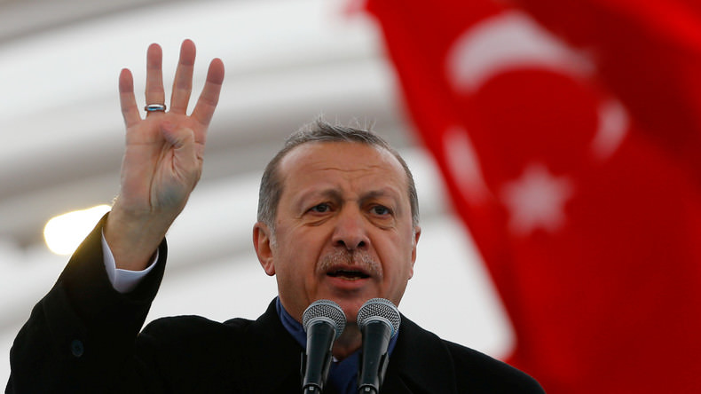 Erdogan dit avoir les preuves du soutien de l'Etat islamique par les Etats-Unis