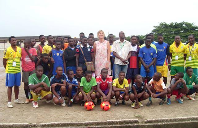Football : L'Ambassade de l'Allemagne fait un don d'équipements sportifs au CFO