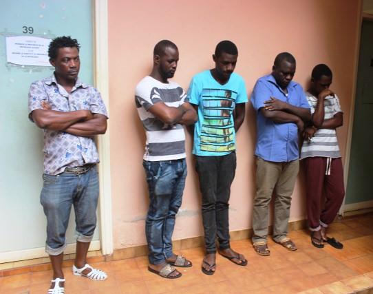 Six présumés homosexuels interpellés à Moanda (sud-est du Gabon)