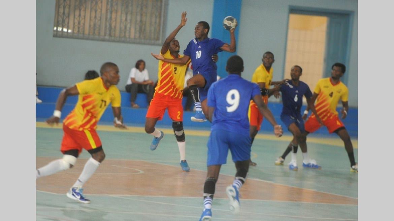 Handball coupe d 39 afrique des clubs vainqueurs phoenix s 39 incline devant red star dworaczek - Vainqueur coupe d afrique ...