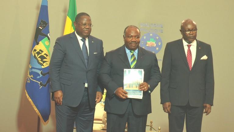 Fin du dialogue politique : Ali Bongo a réceptionné le rapport