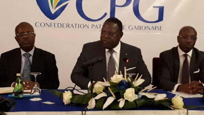 Gabon : Emmanuel Issoze Ngondet privilégie la voie du dialogue avec le patronat