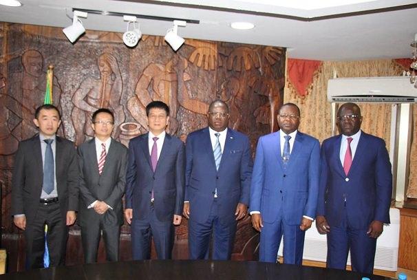 Gabon : 862 km de routes bientôt aménagés