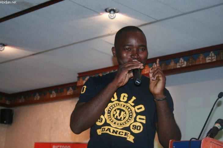 Côte d'Ivoire : l'humoriste ivoirien « Magnific» fait ambassadeur du HCR