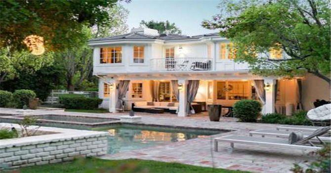 omar sy aurait mis en vente sa maison de los angeles dworaczek bendome. Black Bedroom Furniture Sets. Home Design Ideas