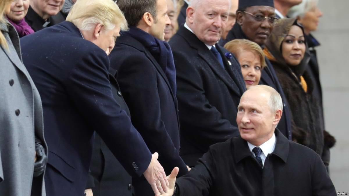 """France : Poutine affirme avoir eu une """"bonne"""" conversation avec Trump à Paris"""