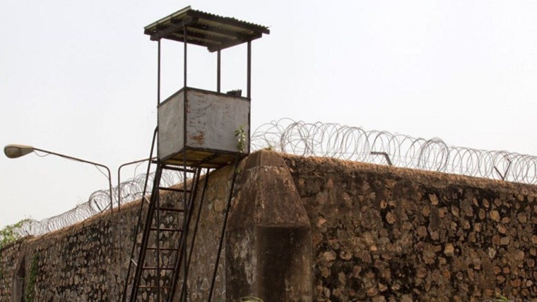 Centrafrique : Tentative d'évasion au camp de Roux