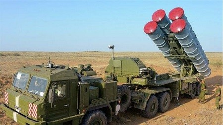 «Israël menace de frapper les S-300 syriens et les techniciens russes avec !»