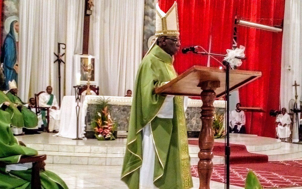 Religion /Église Catholique /Séjour du Cardinal: la jeunesse gabonaise honorée.