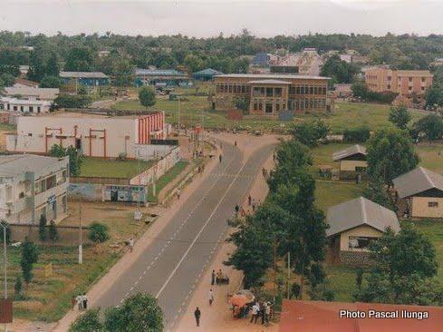 Mbuji-Mayi : au moins 50 habitants de Kinshasa bloqués par manque de vols