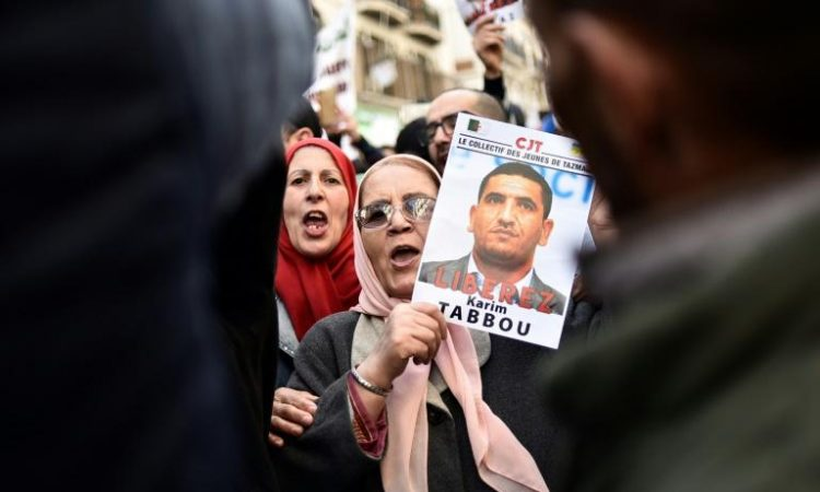 Algérie: deux des principales figures du «Hirak» vont être libérées