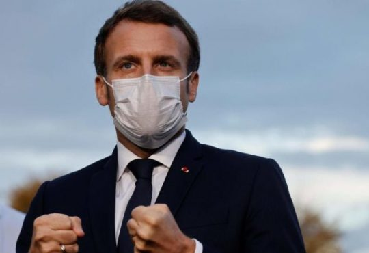 Covid-19 : « Nous avons été surpris par l'ampleur de la seconde vague qui sera plus dure et plus meurtrière que la première », déclare ce soir Emmanuel Macron qui décide de reconfiner la France