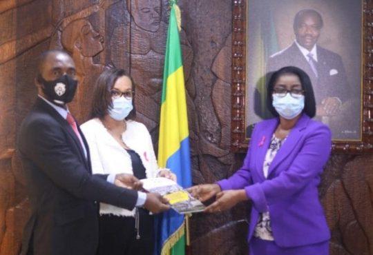 Forum de la Fonction publique:Rose Christiane Ossouka Raponda tient le rapport final