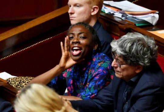 France-Gabon : La fragilisation de la France Insoumise, accusée de « complicité intellectuelle » avec le terrorisme, fait perdre à Jean Ping son dernier levier d'influence à l'extérieur