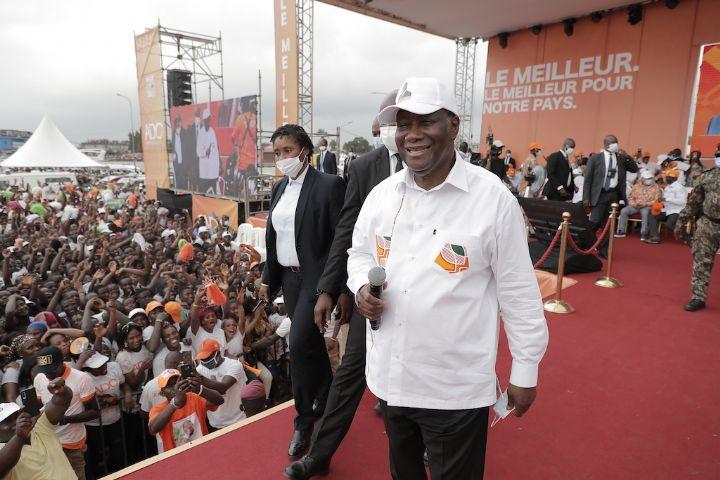 Présidentielle ivoirienne : Ouattara appelle ses militants à aller voter massivement pour une victoire en «un coup KO»