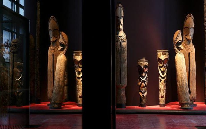 Sabre, statues: les députés français se penchent sur des restitutions au Sénégal et au Bénin