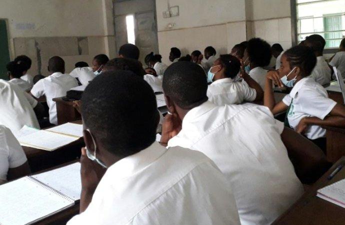 EnGuinéeÉquatoriale, le fardeau des classes surpeuplées malgré le coronavirus