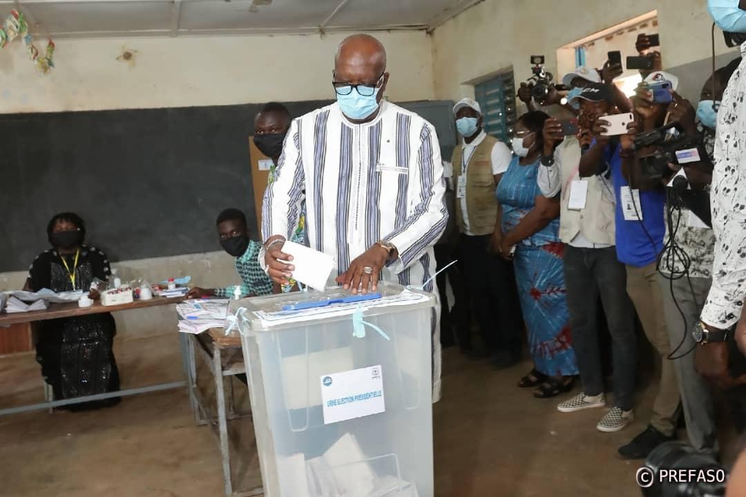Présidentielle et législatives au Burkina Faso : Les scrutins ont bien démarré