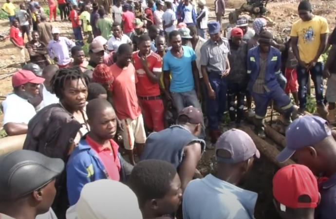 Zimbabwe: au moins 40 mineurs pris au piège après l'effondrement d'une mine