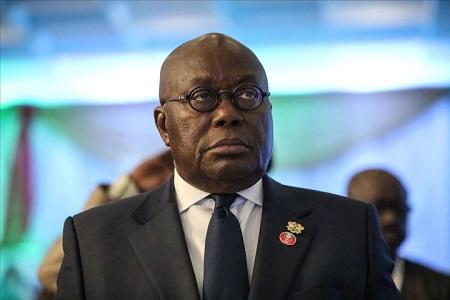 Présidentielle au Ghana: le président Nana Akufo-Addo filmé en train de recevoir de l'argent dans une enveloppe