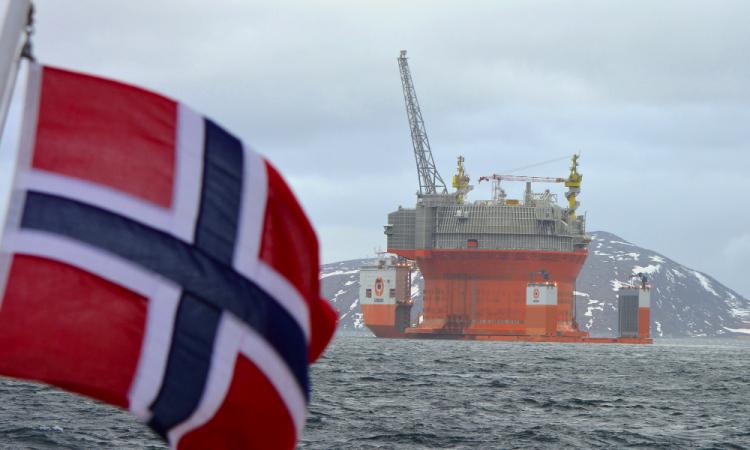 """Forages pétroliers dans l'océan Arctique : la justice Norvégienne ne reconnait pas le """"droit à un environnement sain"""""""