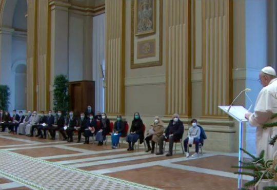 Noël  2020 :  Message du Pape François à l'église et au monde