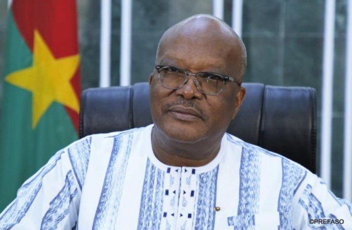 Burkina : le président Kaboré dissout le gouvernement
