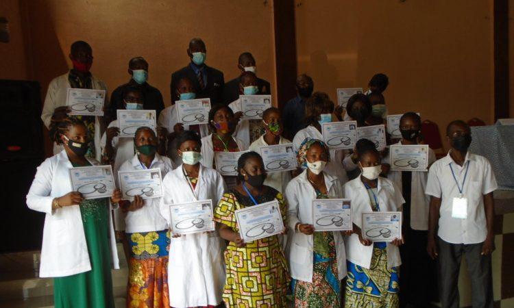 Congo/Sante: Une vingtaine d'infirmiers formés pour servir dans les structures sanitaires