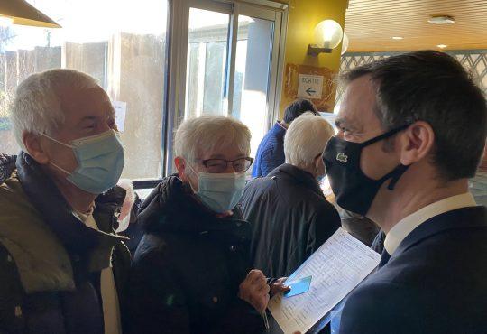 France, CHU de Grenoble, lancement de la campagne vaccinale contre la Covid-19 pour les plus de 75 ans