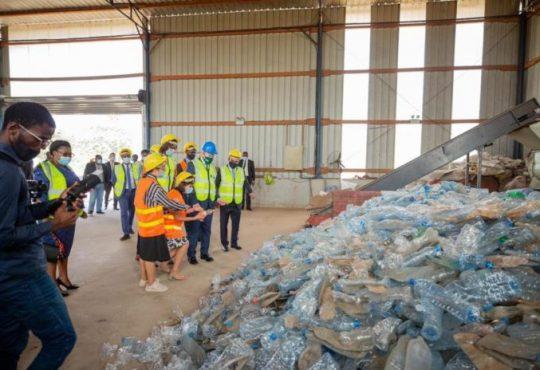 Gabon : Une usine de recyclage des déchets plastiques inaugurée dans la ZERP de Nkok