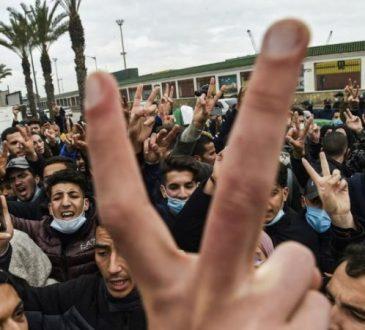 Algérie: retour des étudiants du Hirak dans la rue à Alger
